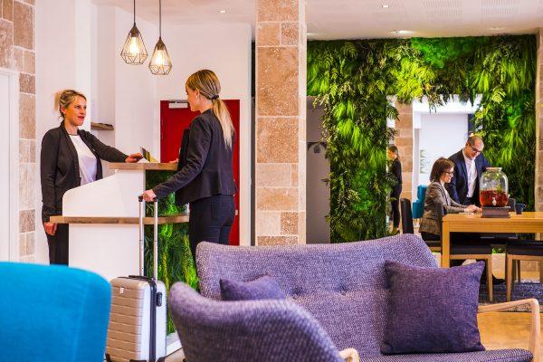 Hall d'entrée de l'hôtel Le Green des Impressionnistes