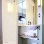 Salle de bain Ibis Budget Cergy Saint-Christophe